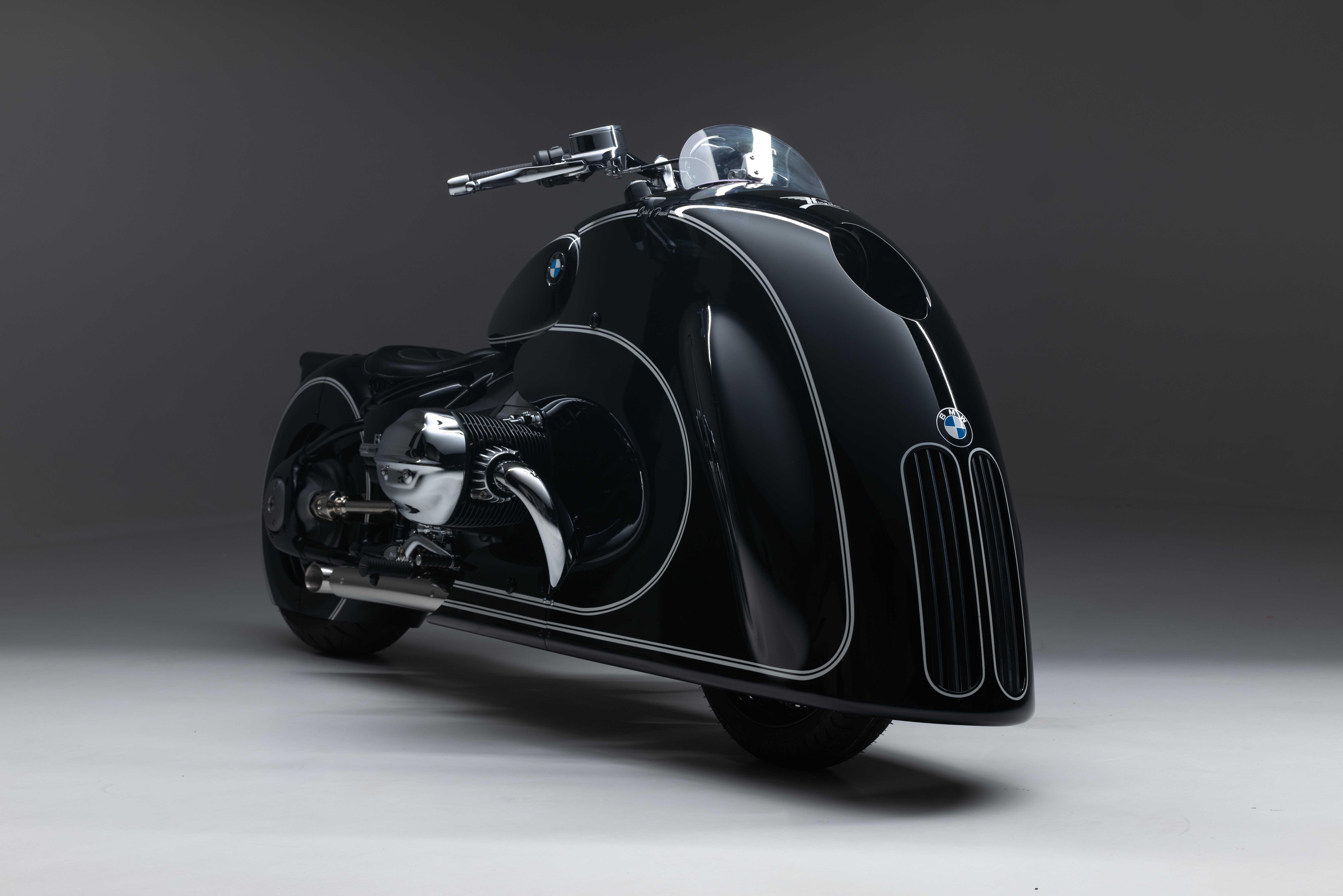 R 18 Custom Bike, una moto para villanos