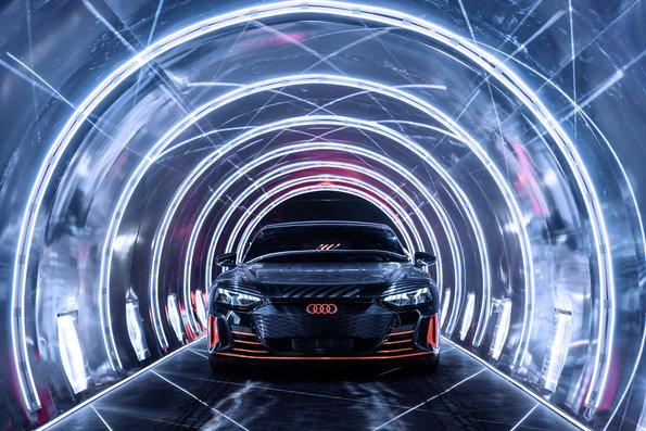 Audi presentó el e-tron GT